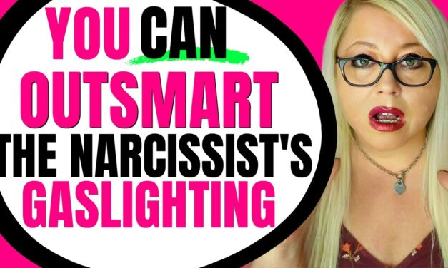 This is How You Outsmart a Narcissist's Gaslighting Tactics
